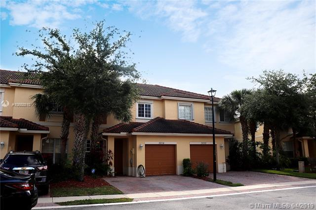 3254 NW 32nd Ter, Oakland Park, FL 33309 (MLS #A10658510) :: The Paiz Group