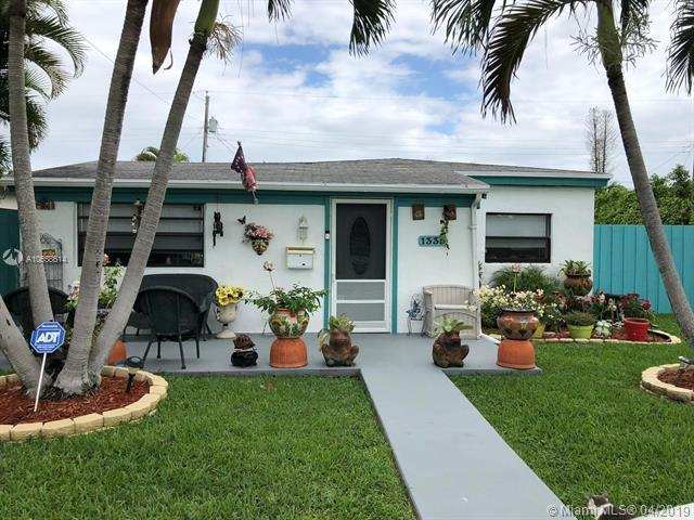 1335 NE 176th St, North Miami Beach, FL 33162 (MLS #A10658614) :: The Teri Arbogast Team at Keller Williams Partners SW