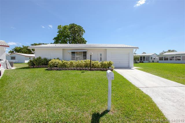 9050 NW 10th Pl, Plantation, FL 33322 (MLS #A10658673) :: The Teri Arbogast Team at Keller Williams Partners SW