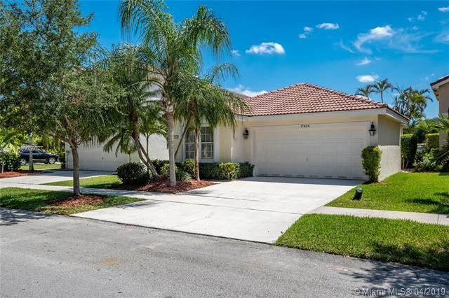 17404 SW 22nd St, Miramar, FL 33029 (MLS #A10658677) :: The Paiz Group