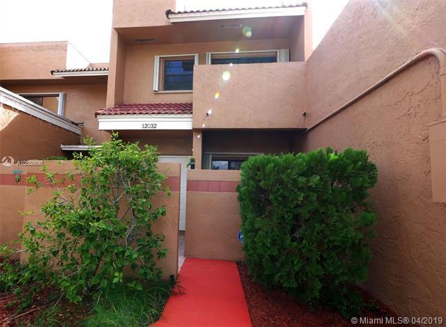 12032 S Las Palmas Dr #12032, Pembroke Pines, FL 33025 (MLS #A10658695) :: RE/MAX Presidential Real Estate Group