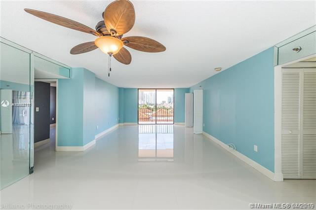 210 174 St #505, Sunny Isles Beach, FL 33160 (MLS #A10658717) :: RE/MAX Presidential Real Estate Group