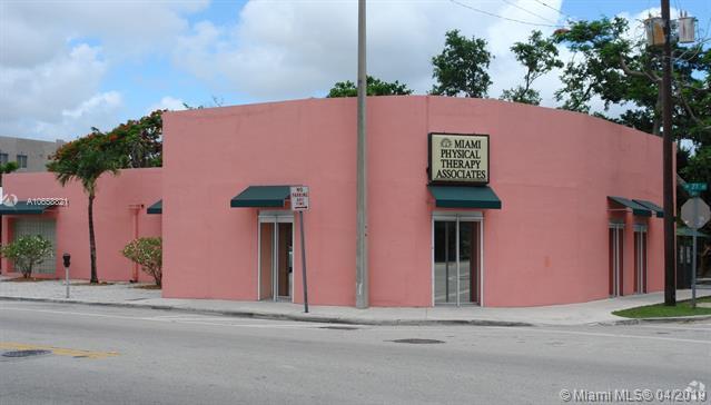 2869 SW 27th Ave, Miami, FL 33133 (MLS #A10658821) :: Miami Lifestyle