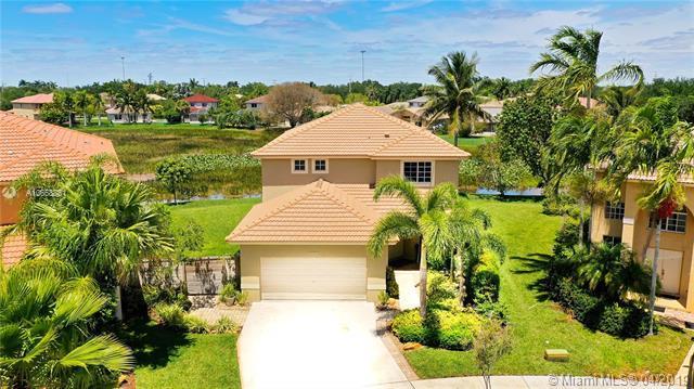 20534 SW 2nd St, Pembroke Pines, FL 33029 (MLS #A10658851) :: Century 21 Keystone Realty