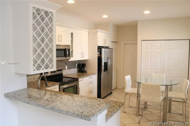 3902 Cherry Ln, Weston, FL 33332 (MLS #A10658878) :: The Brickell Scoop