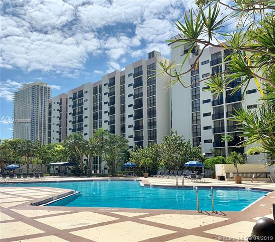 17021 N Bay Rd #221, Sunny Isles Beach, FL 33160 (MLS #A10658898) :: RE/MAX Presidential Real Estate Group