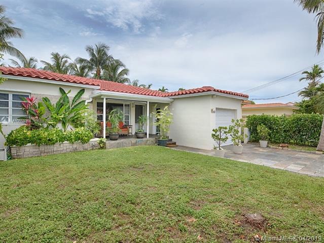 9040 Abbott Ave, Surfside, FL 33154 (MLS #A10658966) :: Miami Villa Group