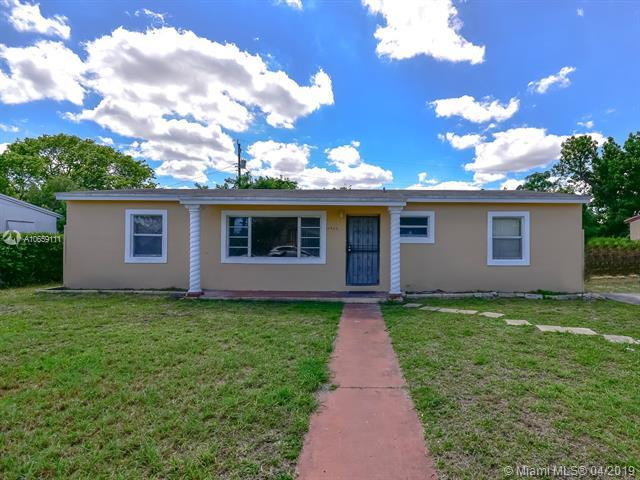 15920 NW 27th Ct, Miami Gardens, FL 33054 (MLS #A10659111) :: The Jack Coden Group