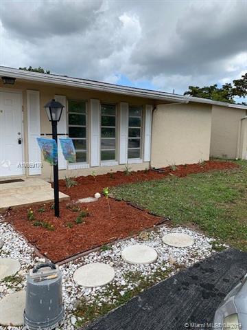 4810 NW 18th Ave, Deerfield Beach, FL 33064 (MLS #A10659176) :: The Paiz Group
