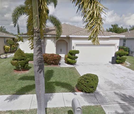 783 NW 16th Ct, Pompano Beach, FL 33060 (MLS #A10659475) :: The Paiz Group