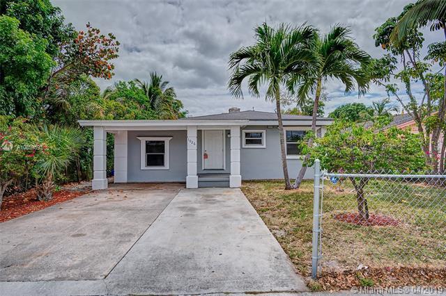 1026 S B Street, Lake Worth, FL 33460 (MLS #A10659593) :: Green Realty Properties