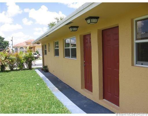 2840 NW 15th Ct 1-2, Fort Lauderdale, FL 33311 (MLS #A10659602) :: The Chenore Real Estate Group
