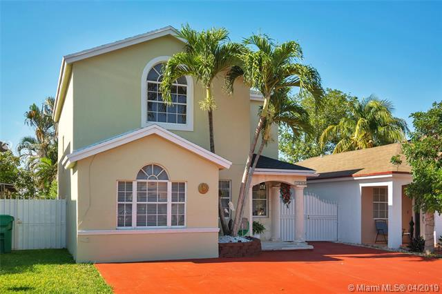 13966 SW 161st Ter, Miami, FL 33177 (MLS #A10659636) :: RE/MAX Presidential Real Estate Group