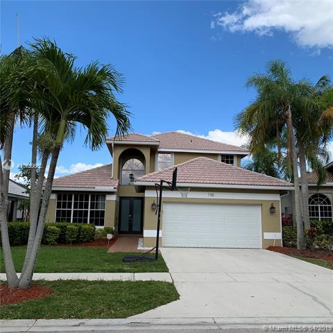 1151 NW 185th Ave, Pembroke Pines, FL 33029 (MLS #A10659650) :: The Riley Smith Group