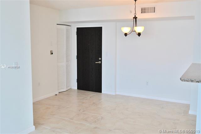 90 Alton Rd #2303, Miami Beach, FL 33139 (MLS #A10659756) :: The Paiz Group