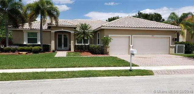 18937 SW 7th St, Pembroke Pines, FL 33029 (MLS #A10659894) :: The Chenore Real Estate Group