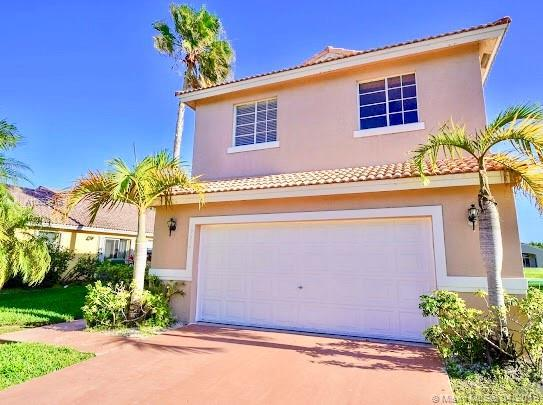 19334 SW 4th St, Pembroke Pines, FL 33029 (MLS #A10659916) :: The Chenore Real Estate Group