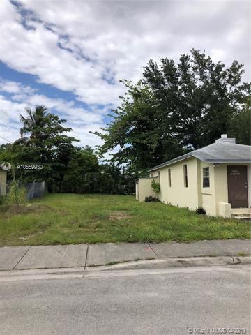 6165 SW 62nd Terrace, South Miami, FL 33143 (MLS #A10659930) :: Laurie Finkelstein Reader Team