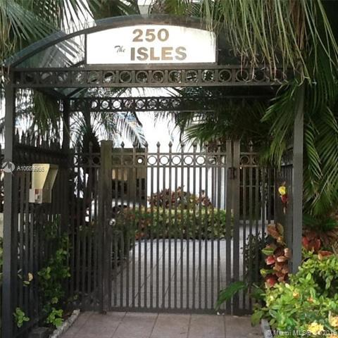 250 181st Dr #102, Sunny Isles Beach, FL 33160 (MLS #A10659956) :: Grove Properties