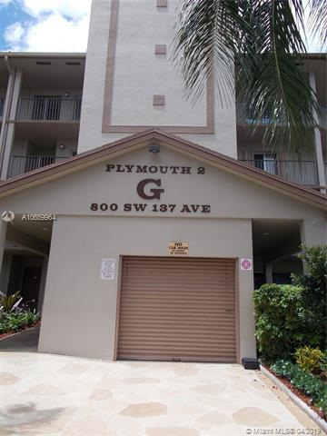 800 SW 137th Ave 104G, Pembroke Pines, FL 33027 (MLS #A10659964) :: The Chenore Real Estate Group