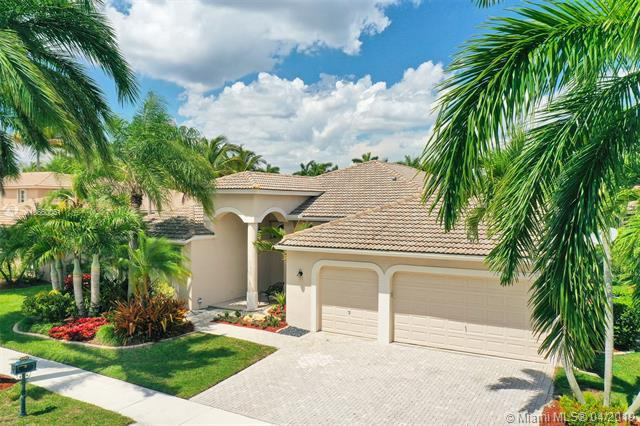 2490 Eagle Run Dr, Weston, FL 33327 (MLS #A10660051) :: EWM Realty International
