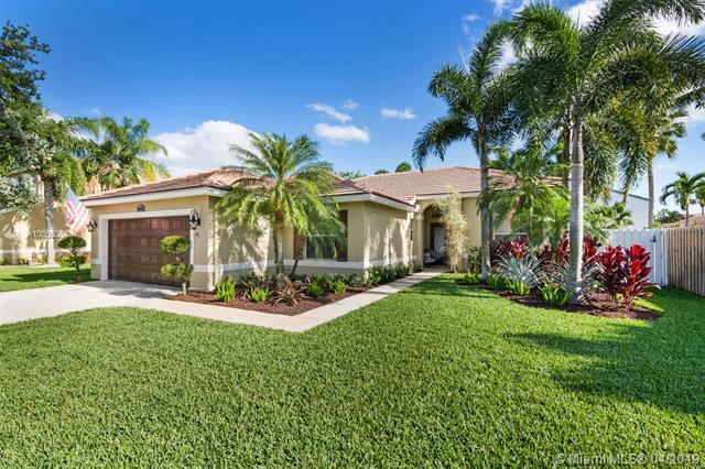 18832 NW 23rd St, Pembroke Pines, FL 33029 (MLS #A10660054) :: Castelli Real Estate Services