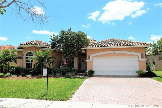 16448 NW 15th St, Pembroke Pines, FL 33028 (MLS #A10660120) :: RE/MAX Presidential Real Estate Group