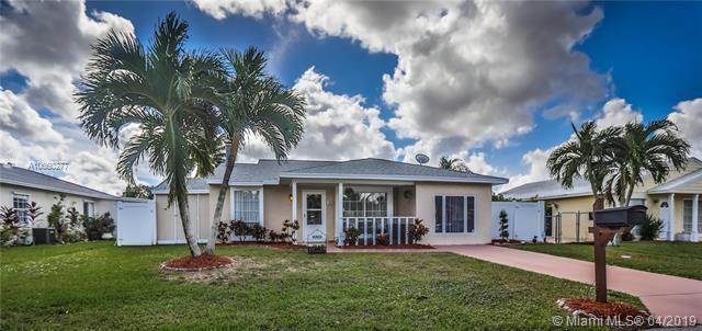 8298 Huntsman Pl, Boca Raton, FL 33433 (MLS #A10660277) :: Grove Properties
