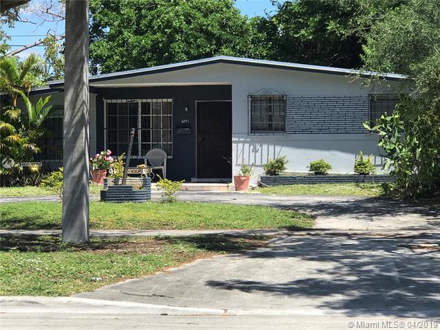 2171 NE 172nd St, North Miami Beach, FL 33162 (MLS #A10660279) :: The Paiz Group