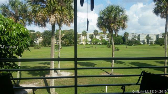535 Oaks Dr #303, Pompano Beach, FL 33069 (MLS #A10660285) :: Laurie Finkelstein Reader Team