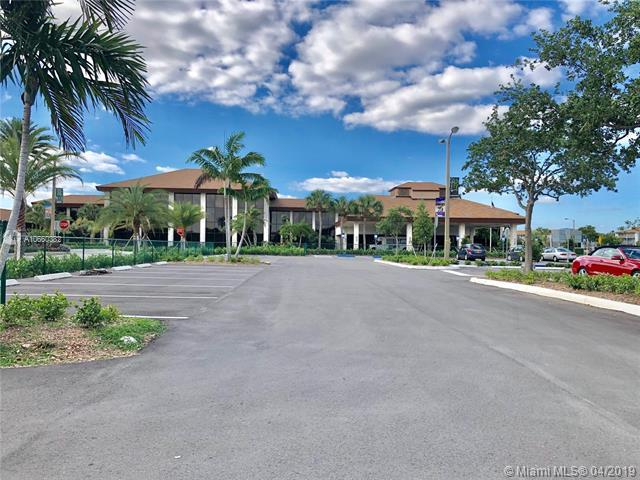 1301 SW 135th Ter 314J, Pembroke Pines, FL 33027 (MLS #A10660382) :: Laurie Finkelstein Reader Team