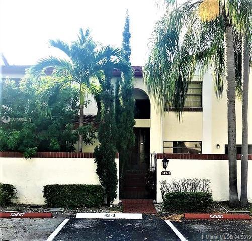 343 Ives Dairy Rd 343-03, Miami, FL 33179 (MLS #A10660419) :: Laurie Finkelstein Reader Team