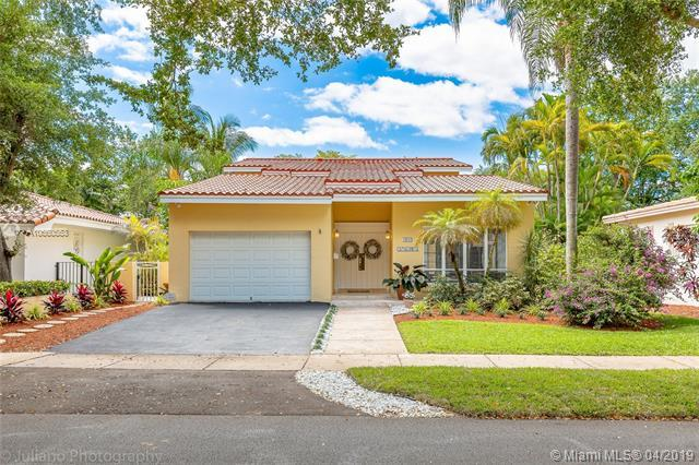 1510 Catalonia Ave, Coral Gables, FL 33134 (MLS #A10660553) :: The Teri Arbogast Team at Keller Williams Partners SW