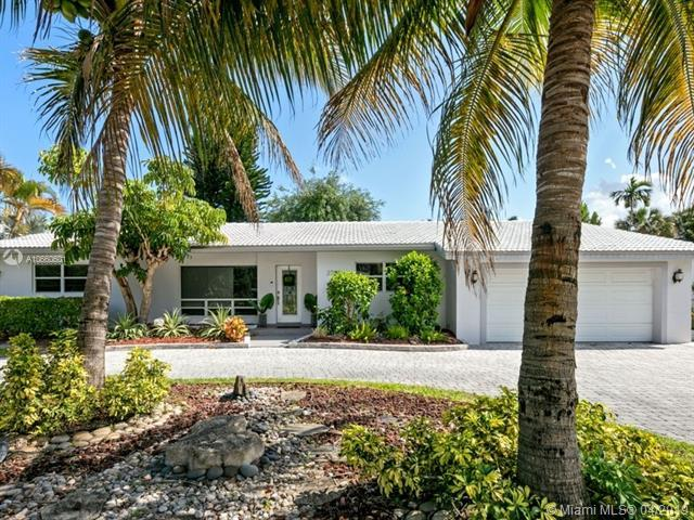 2708 NE 26th St, Fort Lauderdale, FL 33305 (MLS #A10660601) :: The Paiz Group