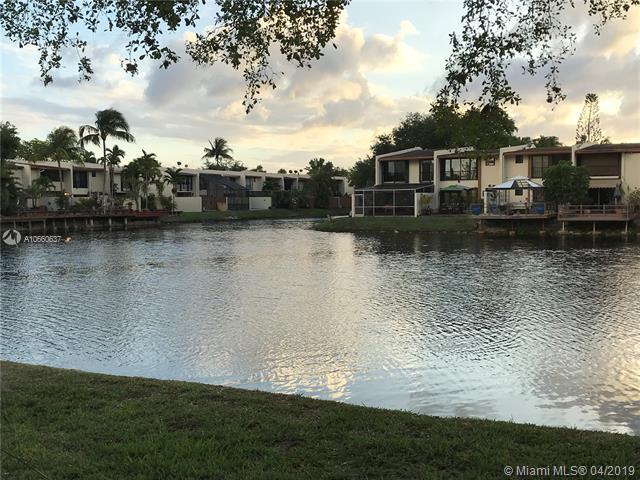 7848 SW 103rd Pl #0, Miami, FL 33173 (MLS #A10660637) :: Laurie Finkelstein Reader Team