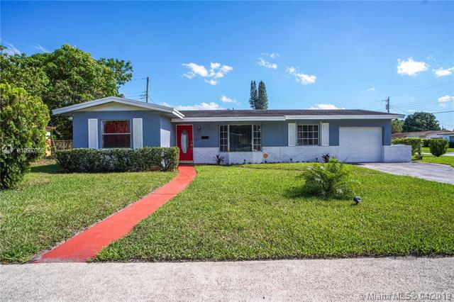 3398 NW 23rd Ct, Lauderdale Lakes, FL 33311 (MLS #A10660756) :: Laurie Finkelstein Reader Team