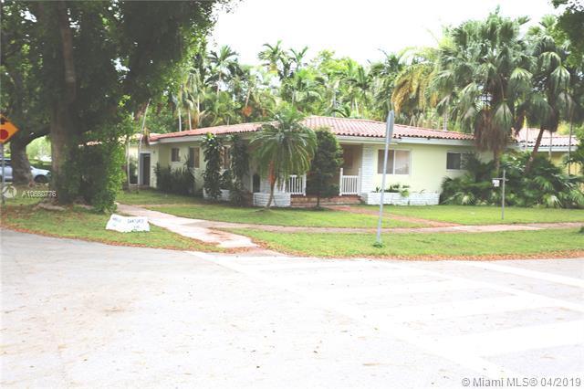 631 Santurce Ave, Coral Gables, FL 33143 (MLS #A10660776) :: The Maria Murdock Group