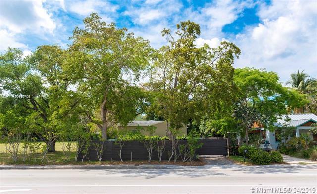 9000 N Miami Ave, El Portal, FL 33150 (MLS #A10660795) :: Laurie Finkelstein Reader Team