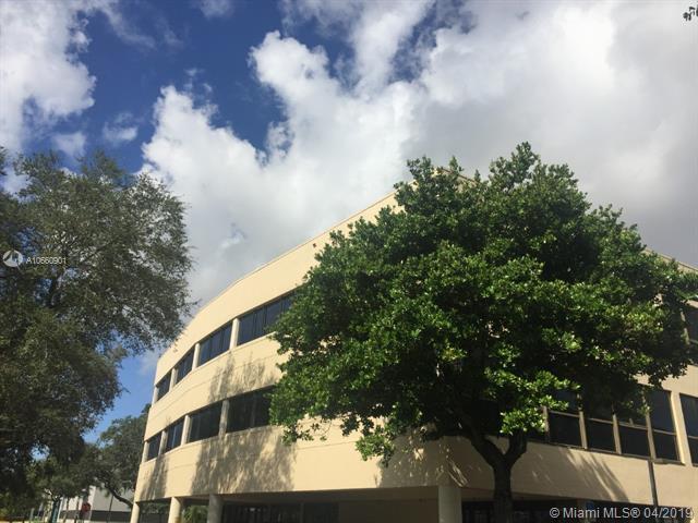14100 Palmetto Frntg Rd #101, Miami Lakes, FL 33016 (MLS #A10660901) :: Laurie Finkelstein Reader Team
