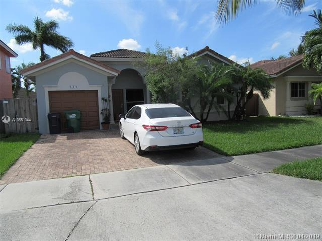 14452 SW 158th Ct, Miami, FL 33196 (MLS #A10661044) :: Laurie Finkelstein Reader Team