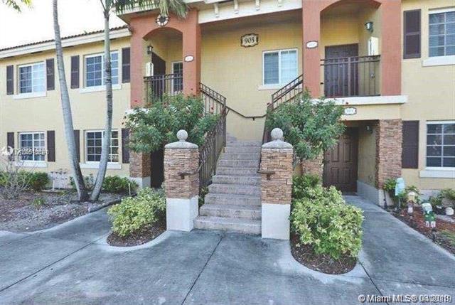 905 NE 34th Ave #102, Homestead, FL 33033 (MLS #A10661061) :: The Riley Smith Group
