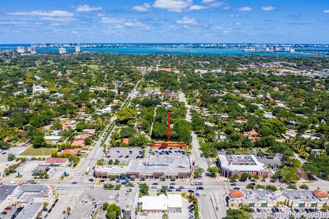 201 NE 95th Street, Miami Shores, FL 33138 (MLS #A10661082) :: Laurie Finkelstein Reader Team