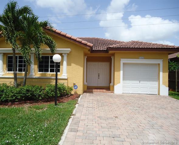 1360 NE 41 Pl, Homestead, FL 33033 (MLS #A10661208) :: The Riley Smith Group