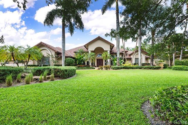 11901 Ashford Ln, Davie, FL 33325 (MLS #A10661387) :: United Realty Group