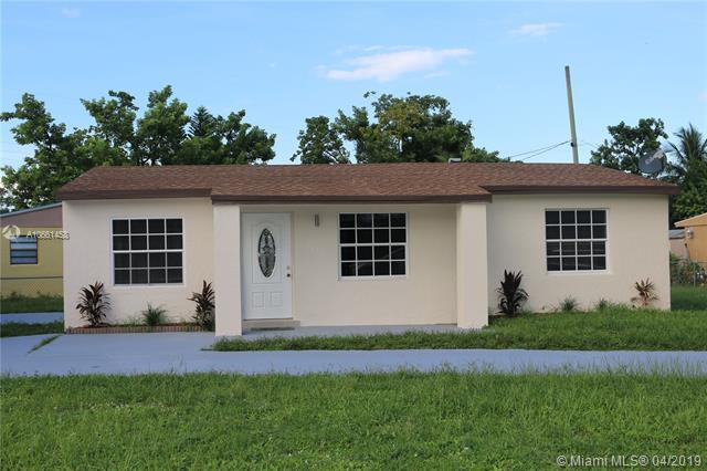 2419 Fletcher St, Hollywood, FL 33020 (MLS #A10661458) :: The Riley Smith Group