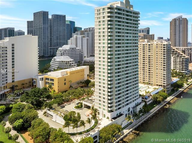 800 Claughton Island Dr #901, Miami, FL 33131 (MLS #A10661634) :: Ray De Leon with One Sotheby's International Realty