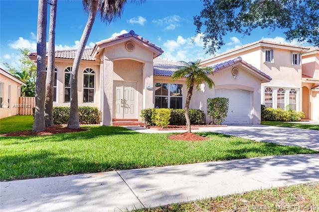 13781 N Garden Cove Cir, Davie, FL 33325 (MLS #A10661932) :: Green Realty Properties
