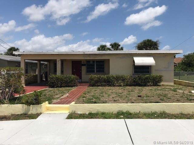 936 Dr Martin Luther King Jr Blvd, Riviera Beach, FL 33404 (MLS #A10662187) :: RE/MAX Presidential Real Estate Group