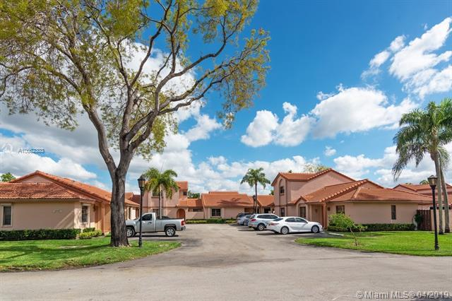 6269 NW 170th Ter, Hialeah, FL 33015 (MLS #A10662303) :: Lucido Global