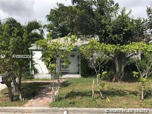 832 W 2nd St, Riviera Beach, FL 33404 (MLS #A10662304) :: RE/MAX Presidential Real Estate Group